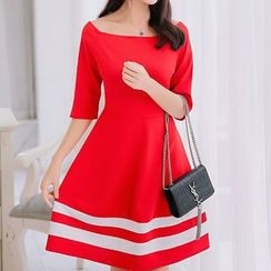 Q.C.T - Colour Block Off-shoulder Dress