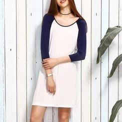Rebecca - Raglan Long-Sleeve Dress