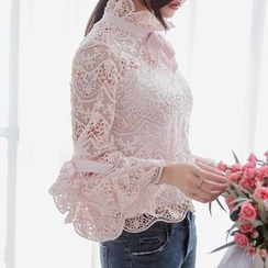 Aurora - Scalloped-Trim Lace Top