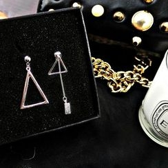 Donnette - Triangle Non-Matching Earrings