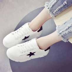 Yoflap - Star Platform Lace Up Sneaker