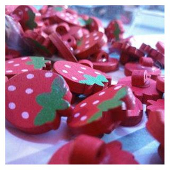 Tivi Boutique - 一套3款: 草莓木制钮扣