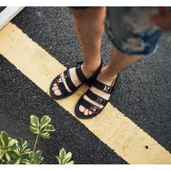 GERIO - Buckled Strap Sandals