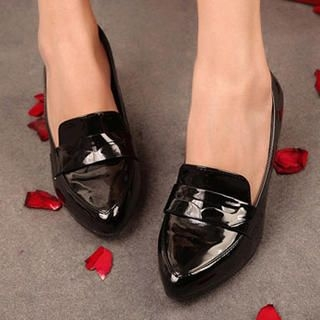 Mancienne - Patent Pointy Pumps