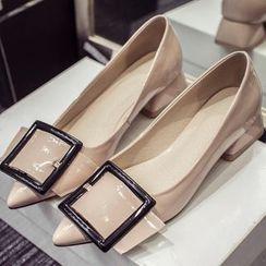 QQ Trend - 饰扣尖头高跟鞋