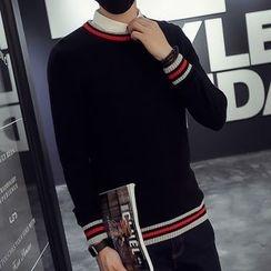 Edway - Stripe Trim Sweater