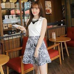 MisSweet - Set: Sleeveless Top + Patterned Skirt