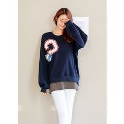 J-ANN - Drop-Shoulder Patch Sweatshirt