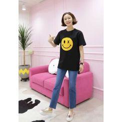 Lemite - Round-Neck Smile-Print T-Shirt