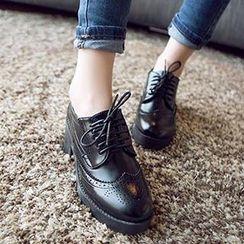 Mancienne - Wing-Tip Chunky-Heel Platform Oxfords