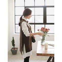hellopeco - Dip-Back Slit-Side Knit Vest