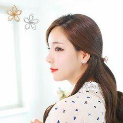 soo n soo - Flower Earrings