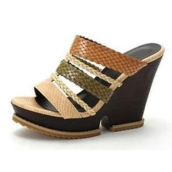 MODELSIS - Braided-Strap Wedge Mules