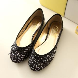 AM Chics - Flower fabric flat shoes