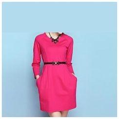 草莓花朵 - 七分袖连衣裙配腰带