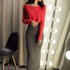 Silkfold - 套装: 短款毛衣 + 开衩中裙