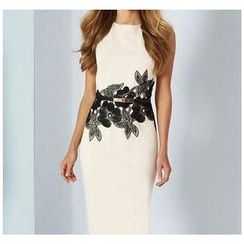 Forest Of Darama - Flower Print Midi Dress with Belt