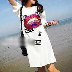 Rocho - Sequined Lips T-shirt Dress