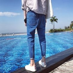JUN.LEE - Smiley Embroidered Washed Jeans