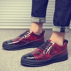 Chariot - Patent Sneakers