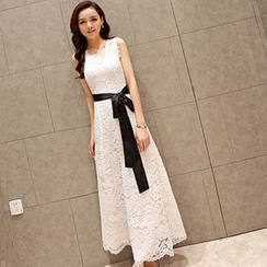 Fashion Street - Sleeveless Lace Maxi Dress