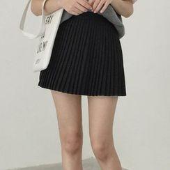 Glen Glam - Accordion Pleat Skirt