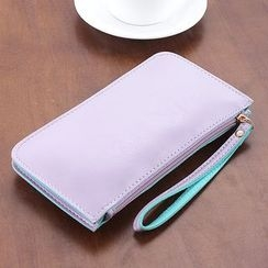 App Blog - Faux Leather Wristlet