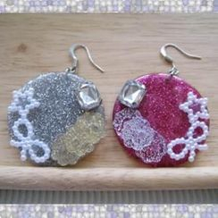 Fit-to-Kill - Dazzliing Ribbon and Glitter Earrings