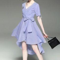 Alaroo - V-neck Asymmetric Pinstriped Dress