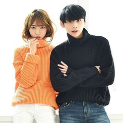 TOMONARI - Couple Turtle-Neck Dip-Back Sweater