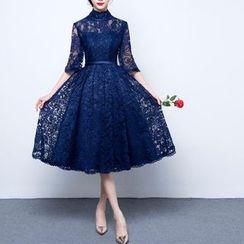 名贵风格 - 小高领中袖蕾丝晚装裙