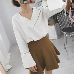 Rocho - 喇叭袖V领衬衫