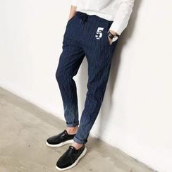 Chuoku - Embroidery Striped Gradient Slim-Fit Jeans