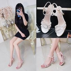 Charming Kicks - High-heel Sandals