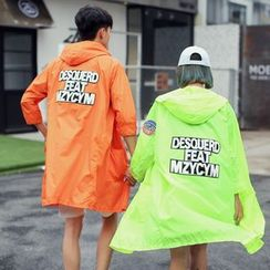 Evolu Fashion - Couple Matching Badge Detailed Hooded Light Jacket