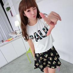 59 Seconds - Set: Lettering Cropped T-Shirt + Floral A-Line Skirt