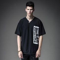 T Empire - Print V-neck Short-Sleeve T-shirt