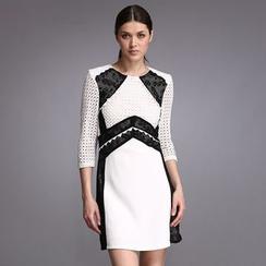 Liya Closet - 鏤空拼接雙色直身連衣裙