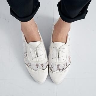 BAIMOMO - Lace-Panel Wingtip Oxfords