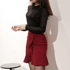 Yilda - Set: Sheer Blouse + Ruffled Skirt