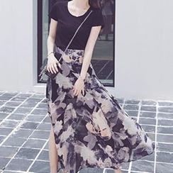 IndiGirl - Set: T-Shirt + Printed Skirt