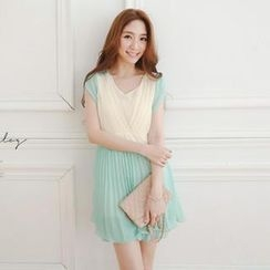 Tokyo Fashion - Color-Block Pleated Chiffon Dress