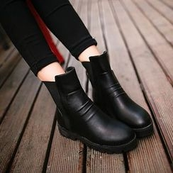 One100 - Platform Paneled Short Boots