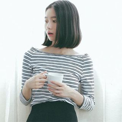 Clair Fashion - 韩版一字领条纹修身打底衫 T恤