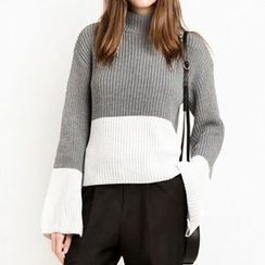 Obel - Color Panel Mock Neck Chunky Knit Sweater