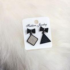 Dollu - Bow Non Matching Earrings
