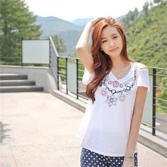 Styleberry - Cutout-Shoulder Print T-Shirt