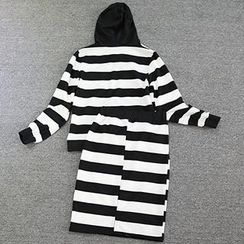 Doll House - Set: Striped Hooded Pullover + Skirt