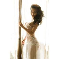 Merone - Set: Lace Nightdress + Thongs