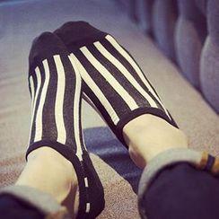 Streetstar - 条纹袜
